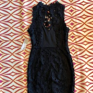 E2 Dresses - NWT Open Back Lace Dress-Size Small